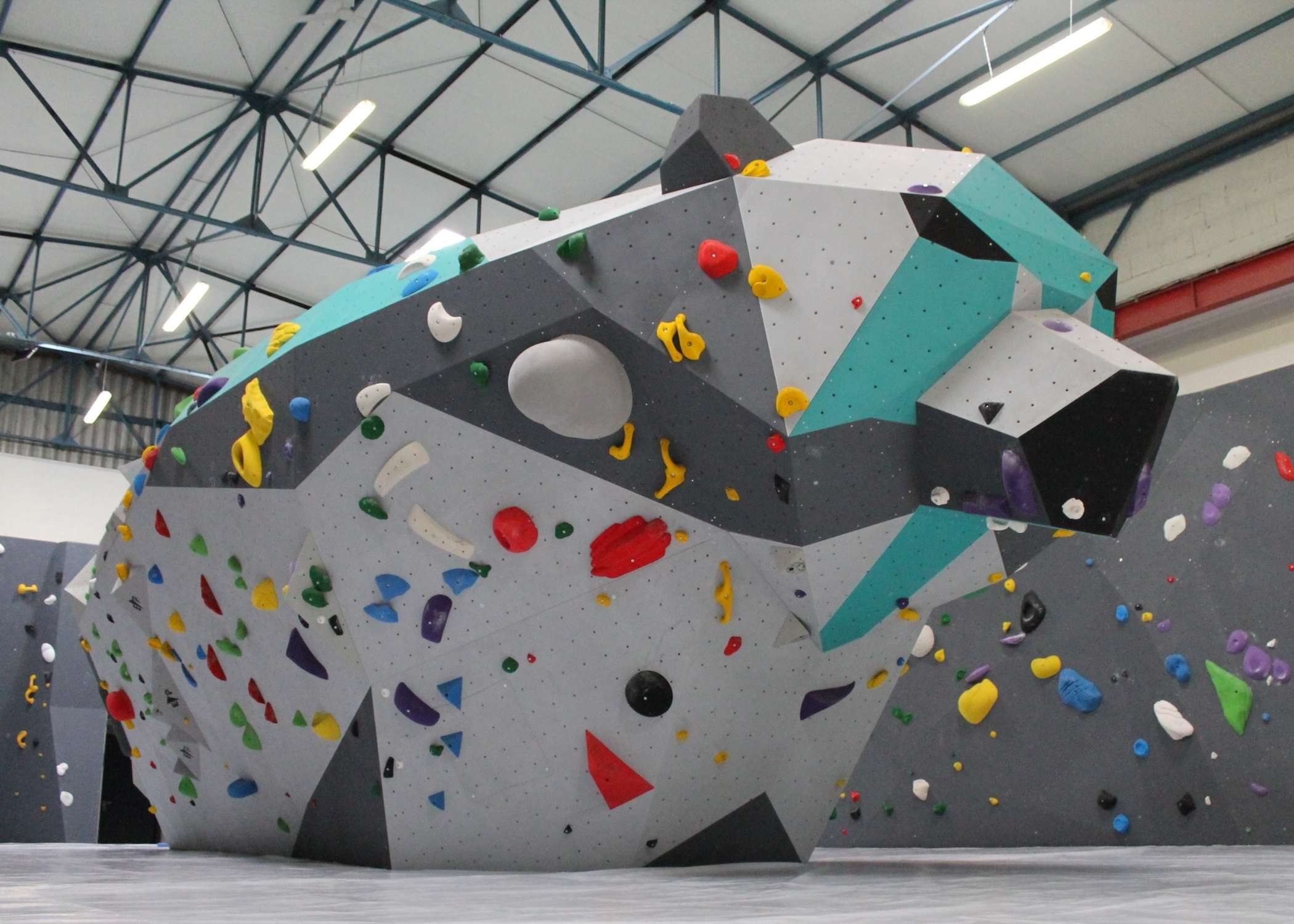bouldering wall installer, climbing wall supplier